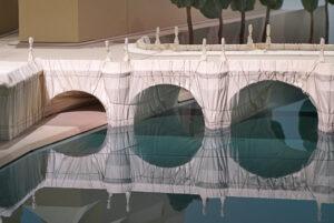 Maquette du Pont-Neuf emballé par Christo