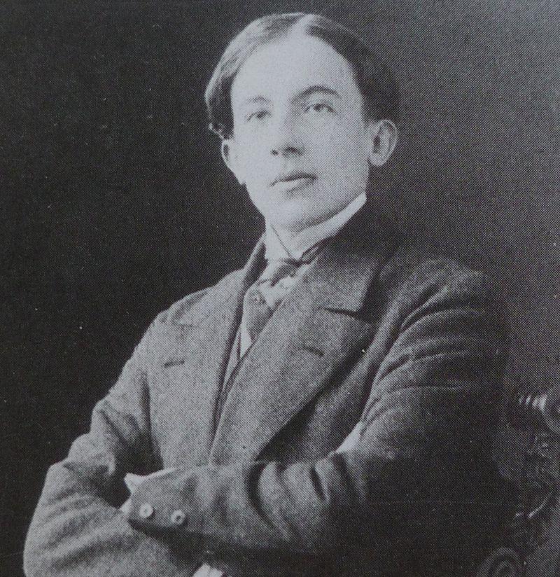 Paul-Eugène Grindel (Paul Éluard) vers 1911. Photographe inconnu.