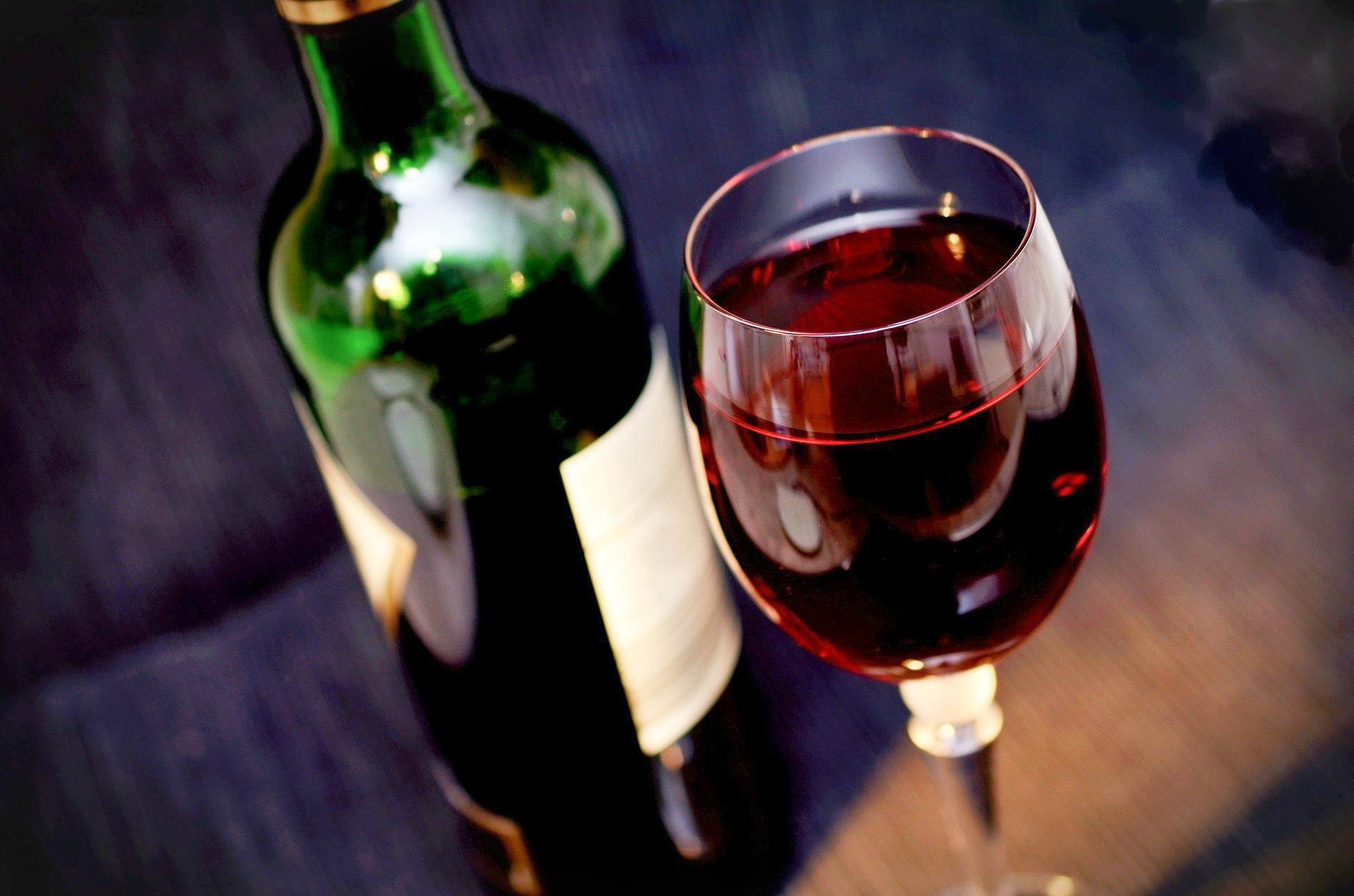 Pourquoi les bouteilles de vin font historiquement 0,75L et pas un litre ?