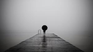 photo de quai en noir et blanc - Cultea