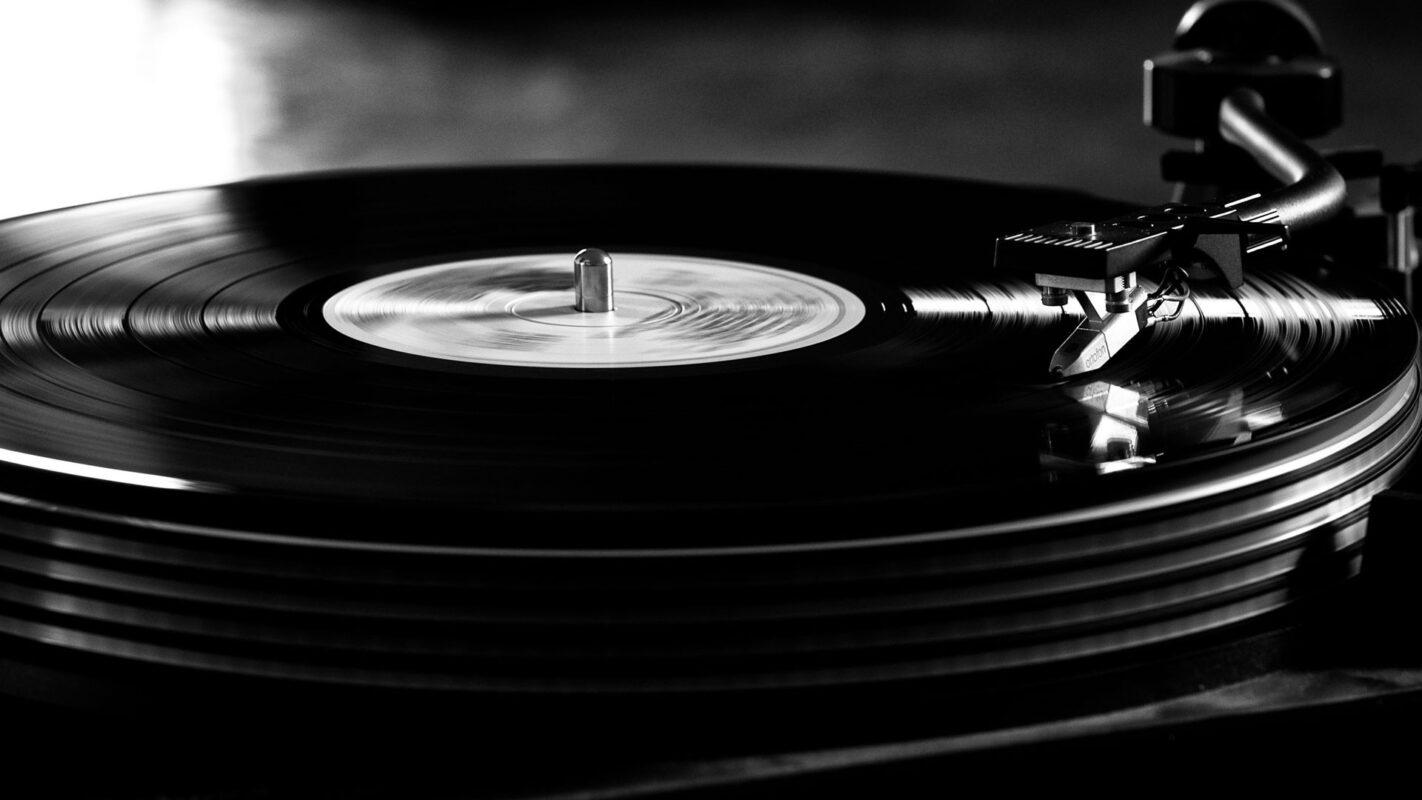 L'histoire du disque vinyle : entre nostalgie et purisme esthétique ! - Cultea