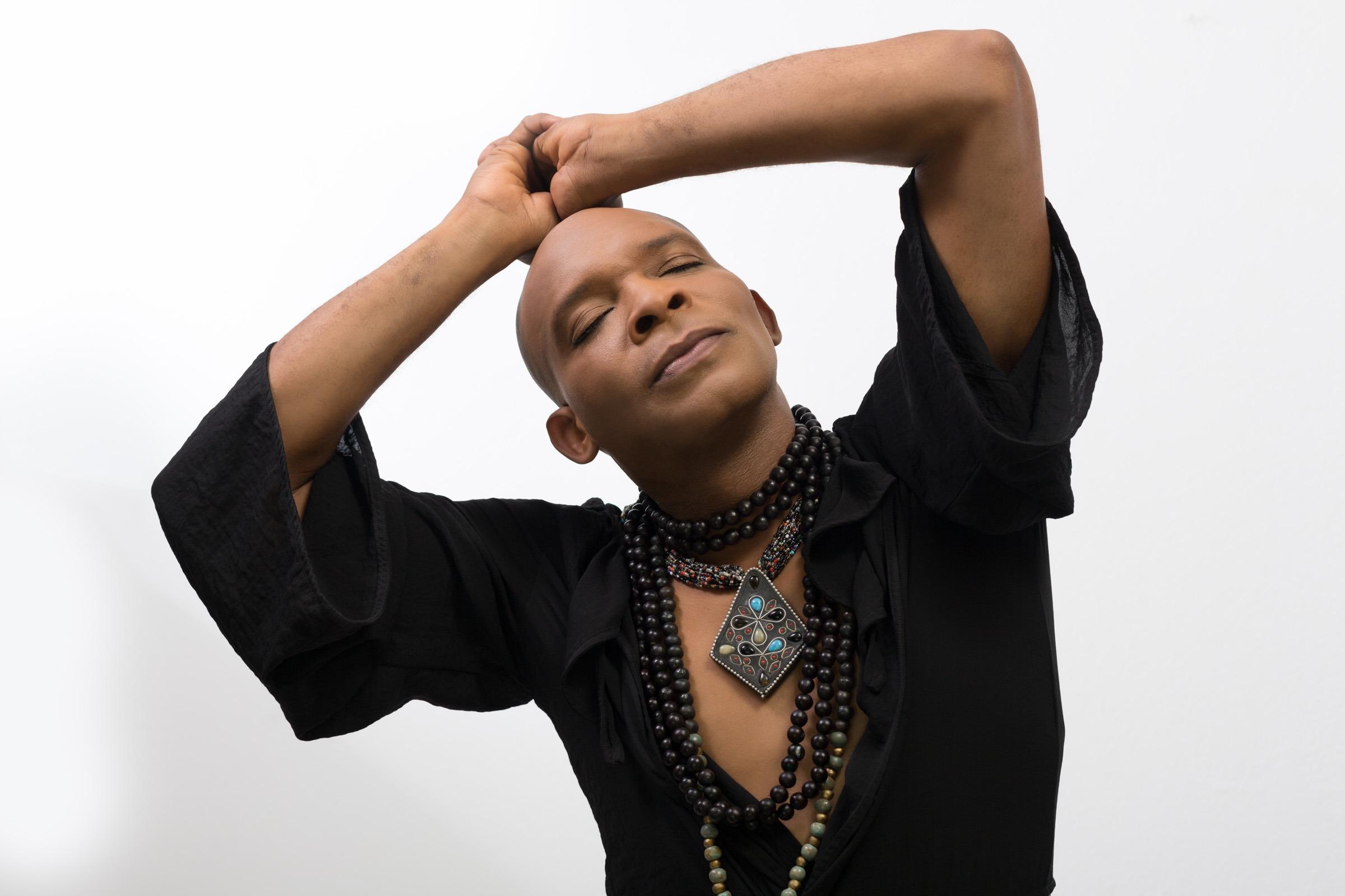 "Erol Josué s'inspire du vaudou haïtien pour son album ""Pelerinaj"" - Cultea"