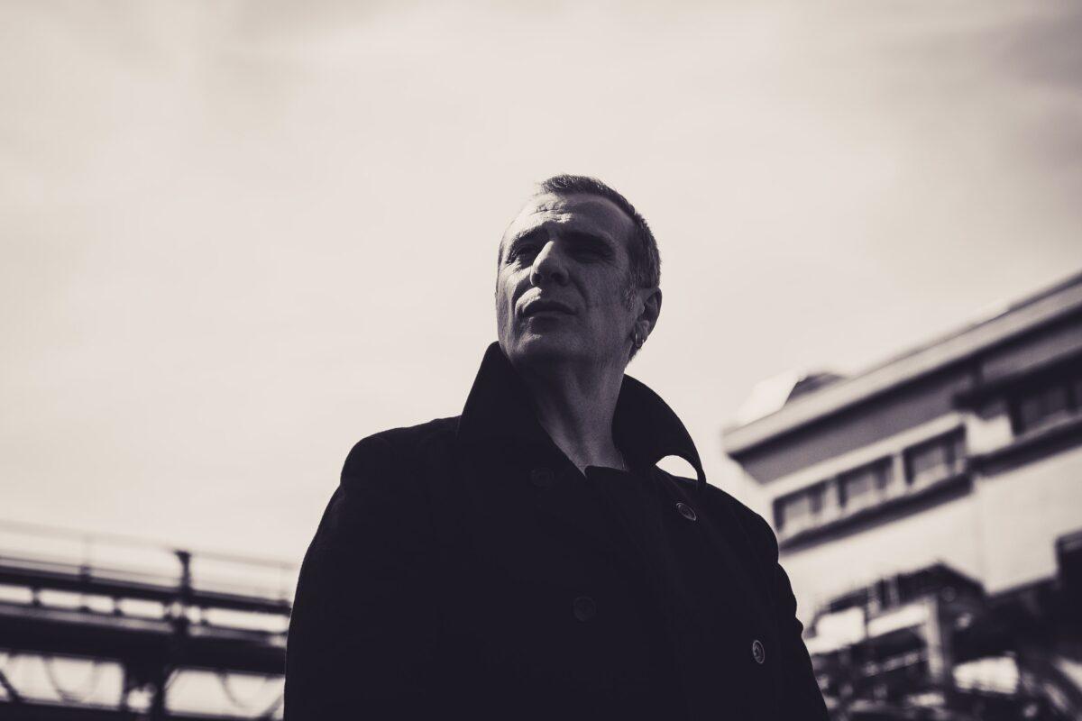 """J. Frey signe un joli single électro pop avec """"Sunrise"""" - Cultea"""