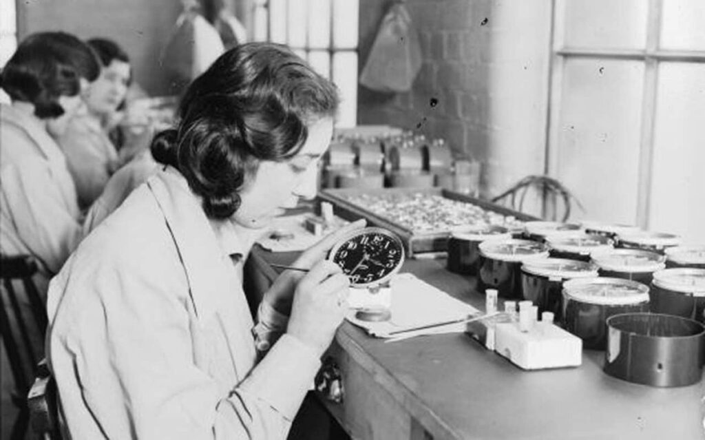 """Radium Girls, découvrez l'histoire de ces femmes """"lumineuses"""" oubliées - Cultea"""