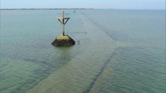 Le passage du Gois : une route submersible unique au monde! - Cultea