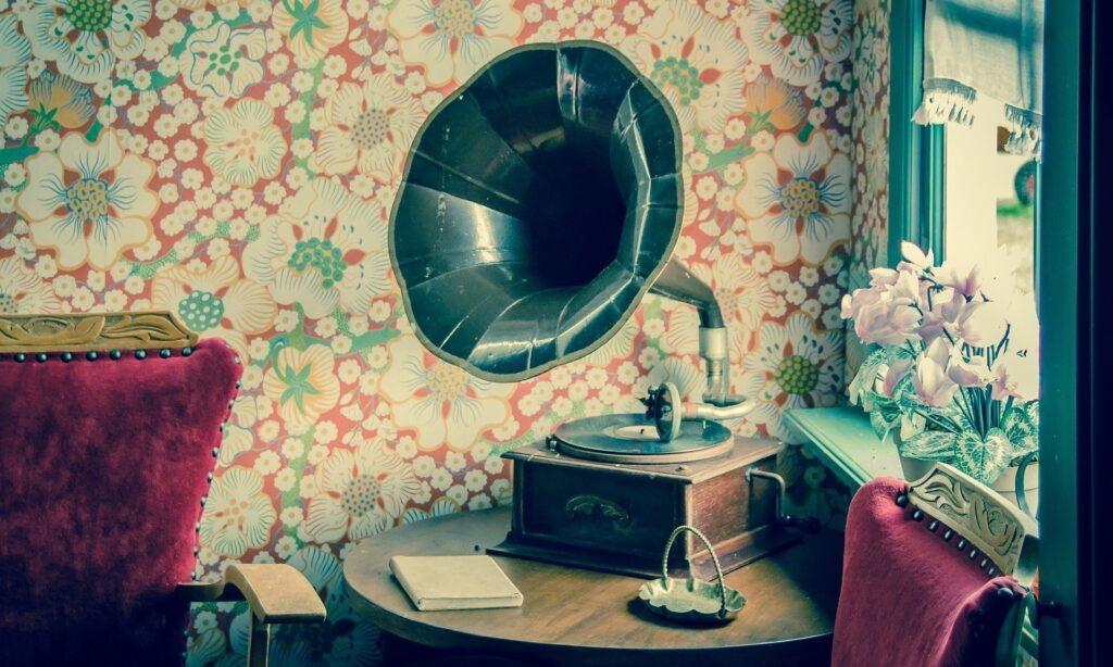 Le gramophone : une alarme à distance révolutionnaire en Angleterre