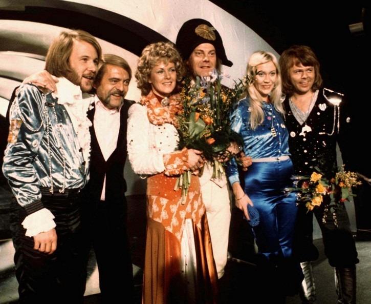 Le groupe ABBA lors de sa victoire à l'Eurovision en 1974 - Cultea