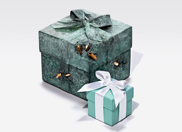 """La célèbre """"Blue Box"""" de Tiffany & Co. revisitée par Daniel Arsham !"""